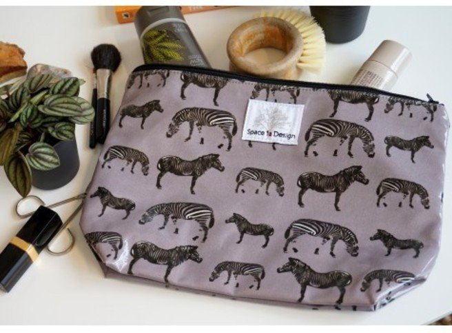 Space 1a Design Grey Zebra Large Toiletry Bag