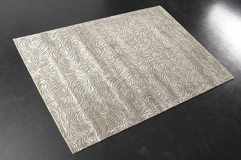 Front Engraved Flow Shell Rug